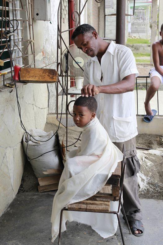 """The barber"". Guantánamo, Cuba."