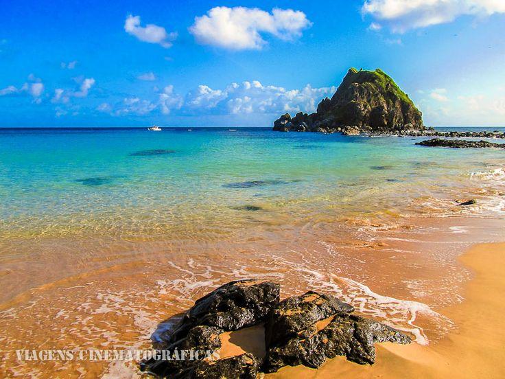 Ilha de Fernando de Noronha - Brasil Praia da Conceição, a mais popular de Noronha e facilmente acessível a pé