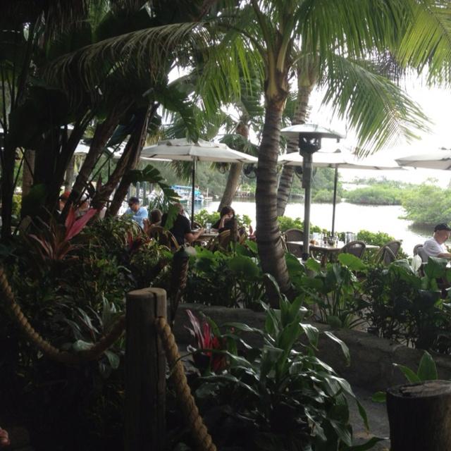 Guanabanas Island Restaurant Amp Bar Jupiter Florida