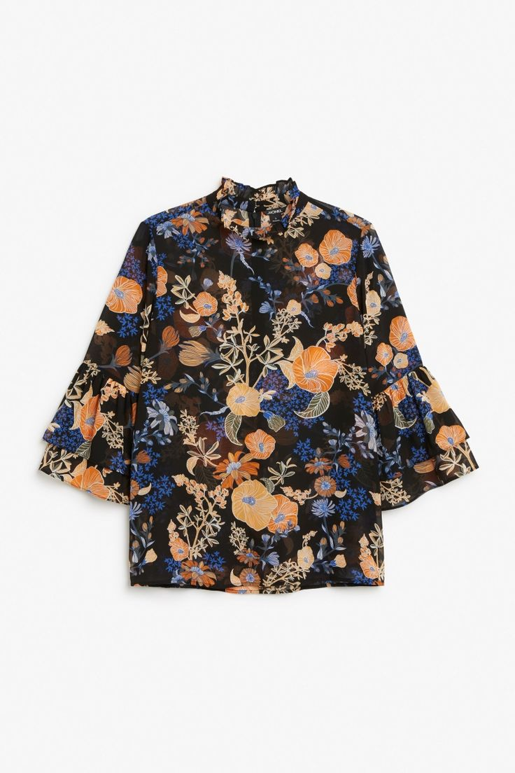 Trumpet sleeved blouse