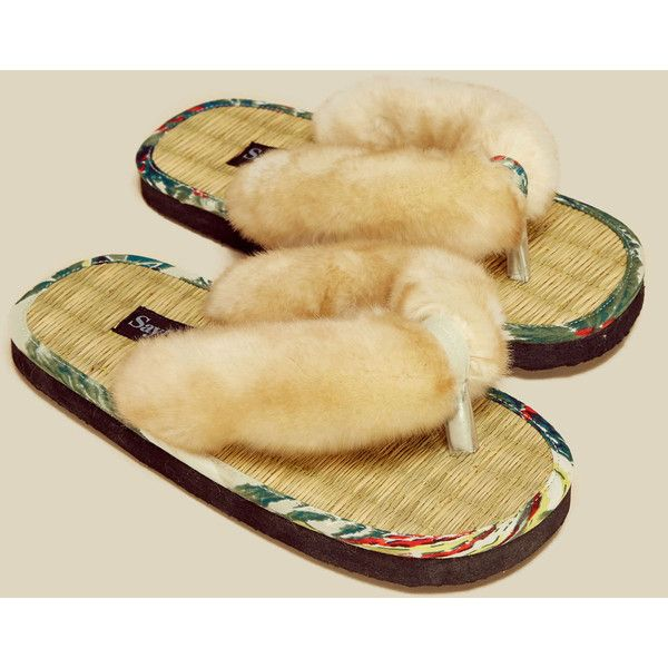 SAY THE SUN Faux Fur Hawaiian Flip Flop ($62) ❤ liked on Polyvore featuring shoes, sandals, flip flops, brown, patterned shoes, hawaiian flip flops, hawaiian print shoes, hawaiian sandals and brown shoes