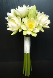 White Lotus Bouquet I Want This For My Wedding Someday