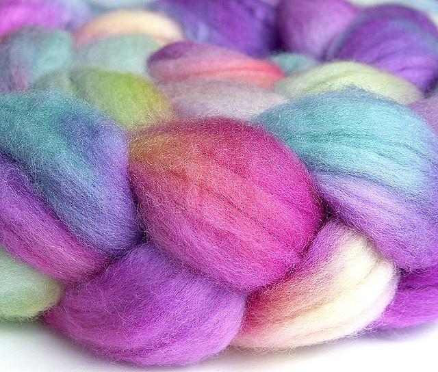 Oooo, squishy!: Yarns Bracelets, Yarns Parties,  Woolen, Pretty Colors, Parties Yarns, Pretty Yarns, Yummy Yarns,  Woollen, Parties Time