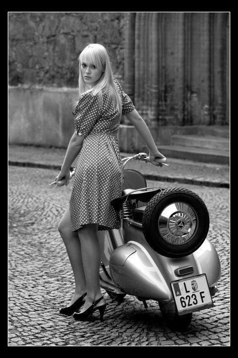Vespa girl ScooteR…