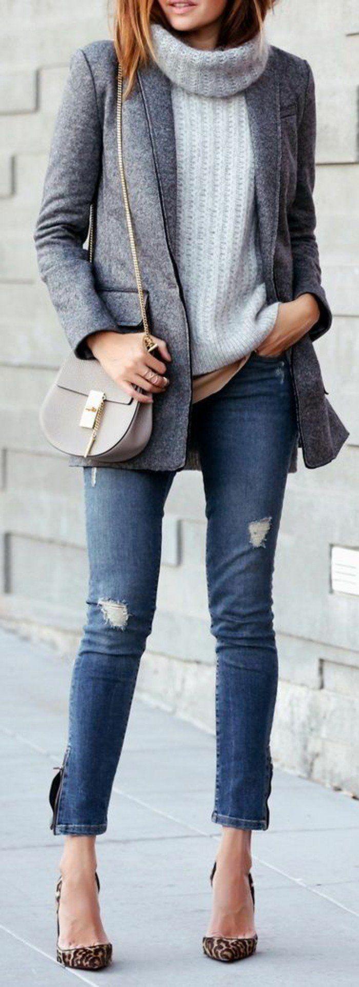 élégante tenue aux couleurs neutres, pull en laine femme, blazer gris et jean slim