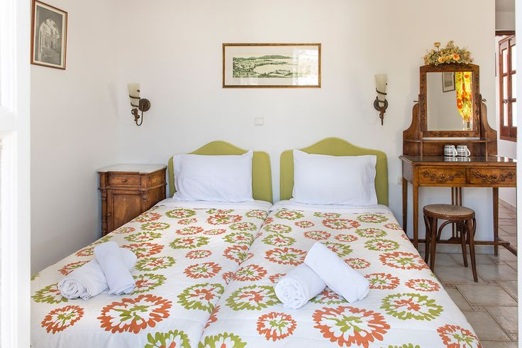 Enjoy staying in the heart of Mykonos! Live the authentic side of accommodation in Mykonos at Alana Pension! Book now at http://goo.gl/VNAxqe.  #mykonos #mykonosisland #greece #aegean #apartment #summer2016 #alanamykonostown