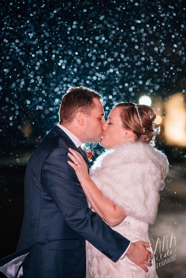 Gorgeous winter weddings at Inn On The Twenty #JordanVillage #TwentyValley #Innonthetwentyweddings