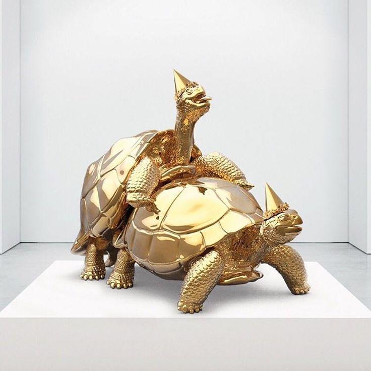 JOSEPH KLIBANSKY - 'Baby we made it' View more of @josephklibansky at www.artandcube.com #sculpture #art #design #creative #gold #bronze #artwork #turtles