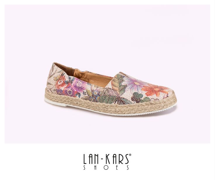 Kwieciste espadryle.  #shoes #flowers #fashion #comfortable #colorful #beautiful #love #shoemania #woman