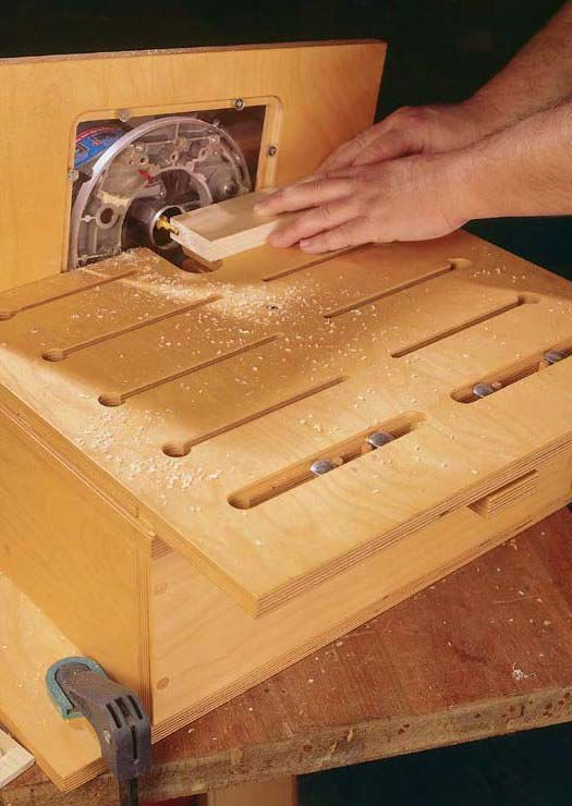 Note to self: Download this free tutorial for building a router table free at PopularWoodworking.com.: