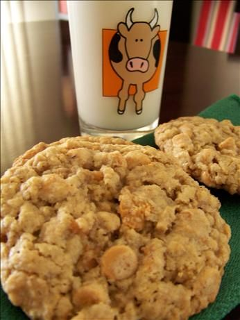 Nestlé Oatmeal Scotchies ~ My Dad's favorite cookie!