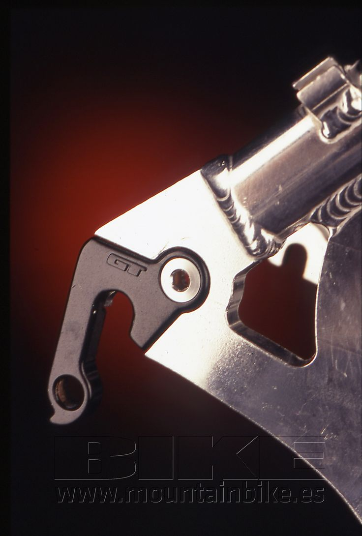 GT apostó por el termoplástico a mediados de los 90. Un espectacular ejemplo lo tuvimos a prueba para el número 50 de BIKE, una LTS así de bonita. Fotos: Mickael Helsing