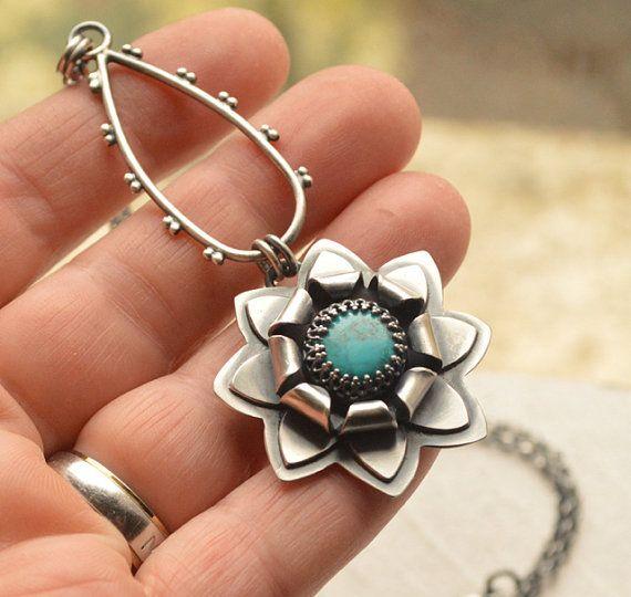 Ручной работы серебро Бирюза цветок Кулон ожерелье от EONDesign