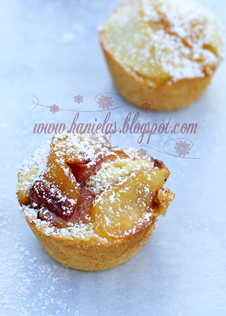 Caramelized Apple Muffins (Haniela)