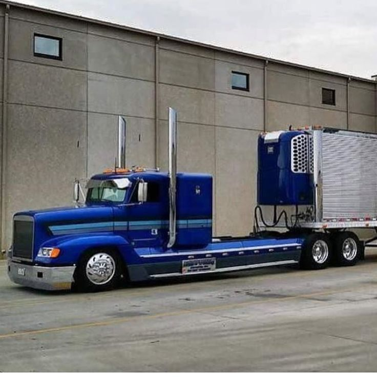 Freightliner custom with matchin reefer
