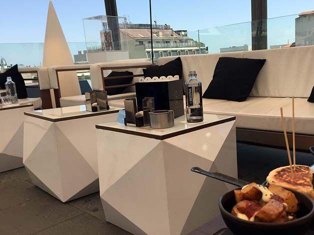 Degustare #tapas gastronomiche senza spendere cifre astronomiche sulle più belle #terrazze d'hotel è possibile a #Barcellona nel mese di #luglio!