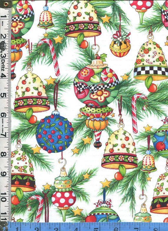 Fabric Quilting poklady Mary Engelbreit Ořezávání stromu vánoční ozdoby klasický styl na bílém