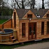 tiny home mit hot tub
