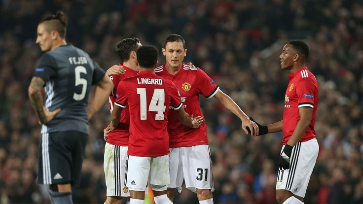 MANCHESTER UNITED SPORT NEWS: MANCHESTER UNITED 2 BENFICA 0
