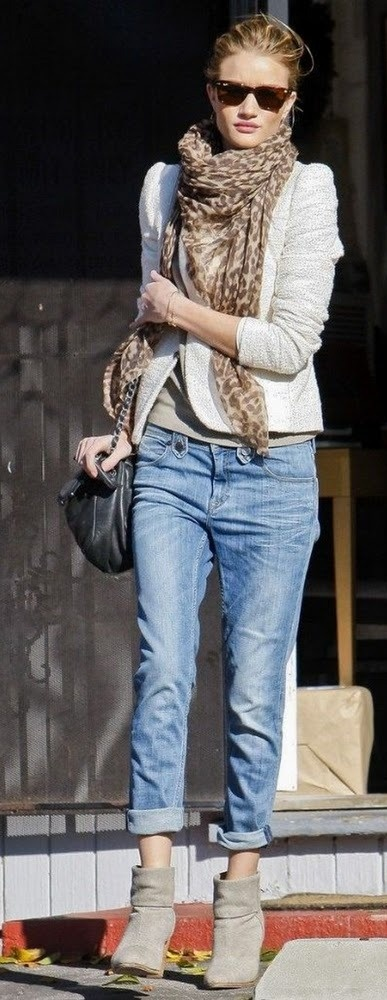Rolled up jeans & boots for casual.