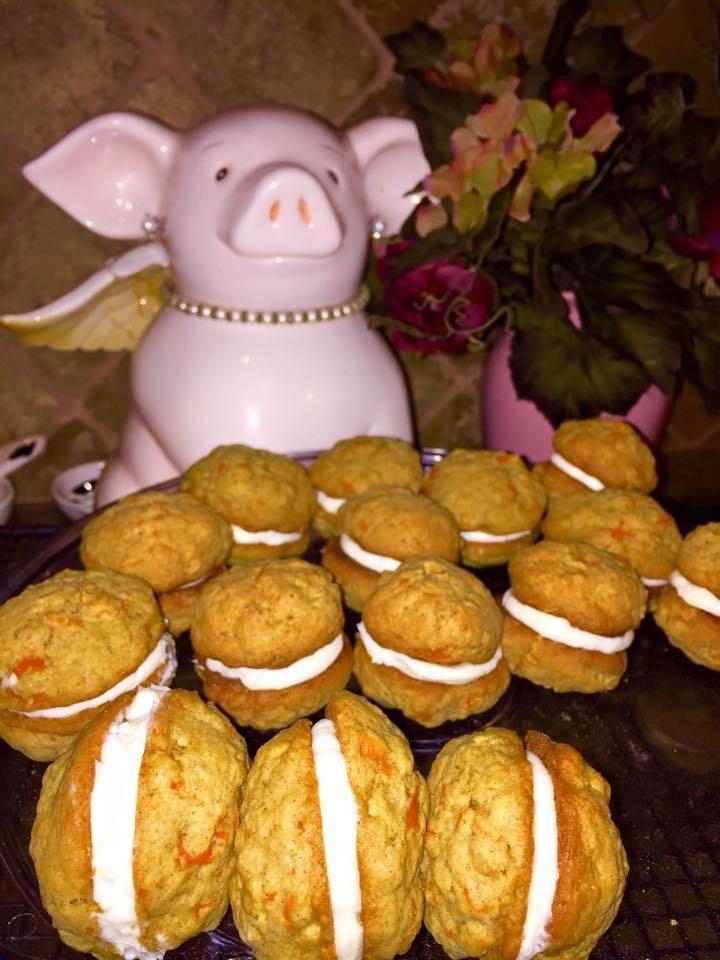Galletas de pastel de zanahoria El día de hoy ni la neblina me detuvo para compartir estas ricas galletitas que ya tienen dueño Disfruten siempre, con sol o como hoy tanta niebla que me toc…