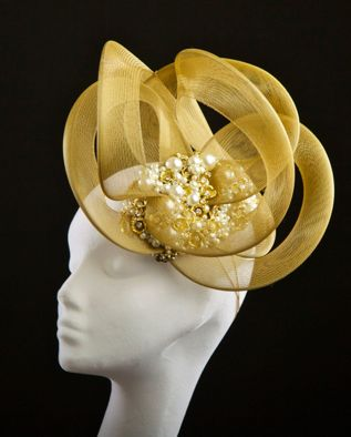 Annette by Carol Kennelly I love a head piece!: