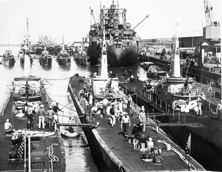 U.S. Submarines in Fremantle, Australia in 1946
