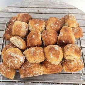 Skagbaek: Lækre surdejsboller med sprød skorpe og lækker krumme