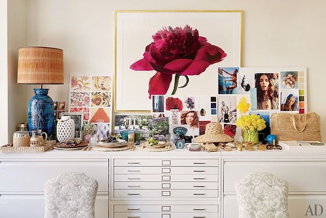 MIMI+MEG  beautiful big flowers!: Celebrity Style, Big Flower, Offices Spaces, Aerin Lauder Offices, The Offices, Irving Penn, Drawers, Architecture Digest, Design Studios