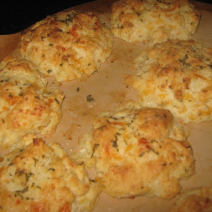 RED LOBSTER'S CHEESE BISCUITS