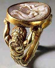 Gold Ring with Shell Cameo of Cupid in Chariot Driven by Seahorses. 16th c.