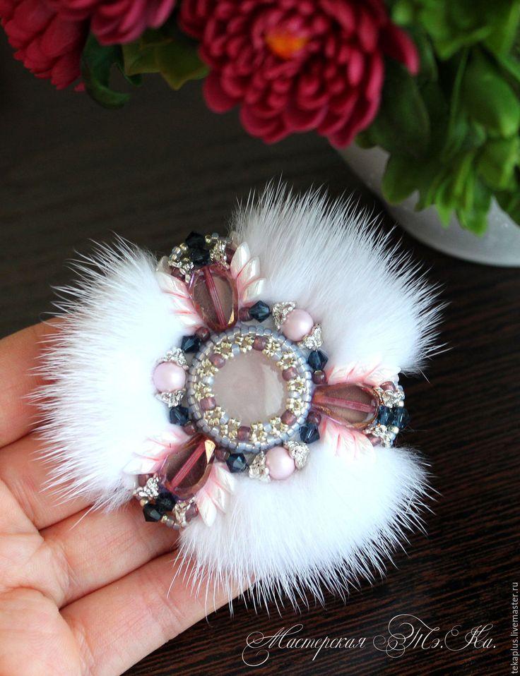 Купить Брошь Нежная с мехом норки - белый, розовый, жемчужный, пастельный, Норка, норковый