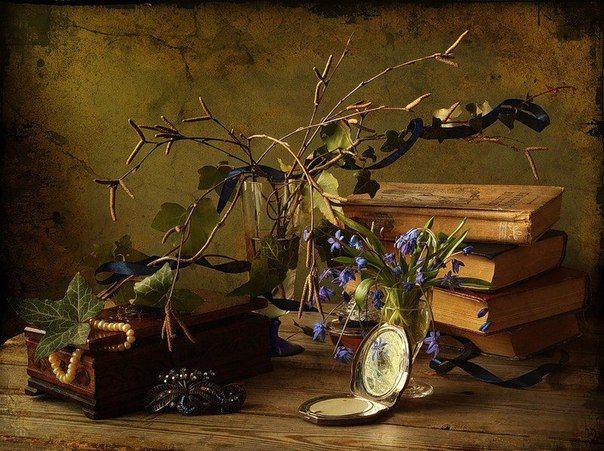 Хорошие книги не выдают свои секреты сразу.