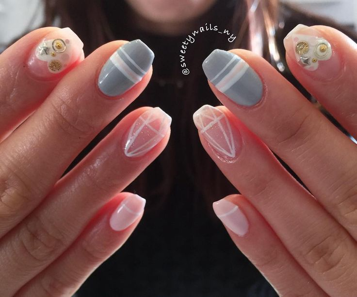 #nailart #nailswag #naildesign #nailstagram #nails2inspire #nailporn #nailsdid #nailsoftheday #nails #tribe #handpainted #sweetynails #newyork #네일아트 #뉴욕 #pasley #flower #pattern#stud #japanesefashion #japanesenails #calgel #japanesegelnails #prestogel #valentinesday #valentinesdaynails