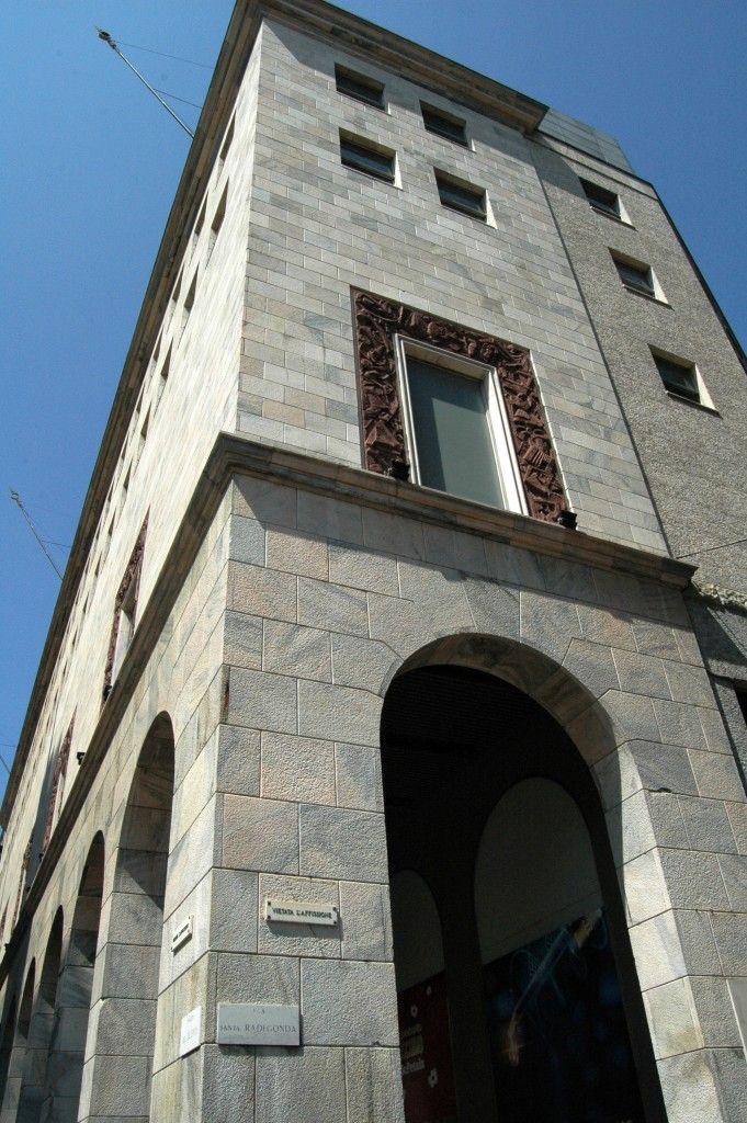Milano, Via Santa Radegonda