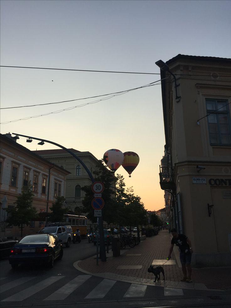 Hot air ballon over the city
