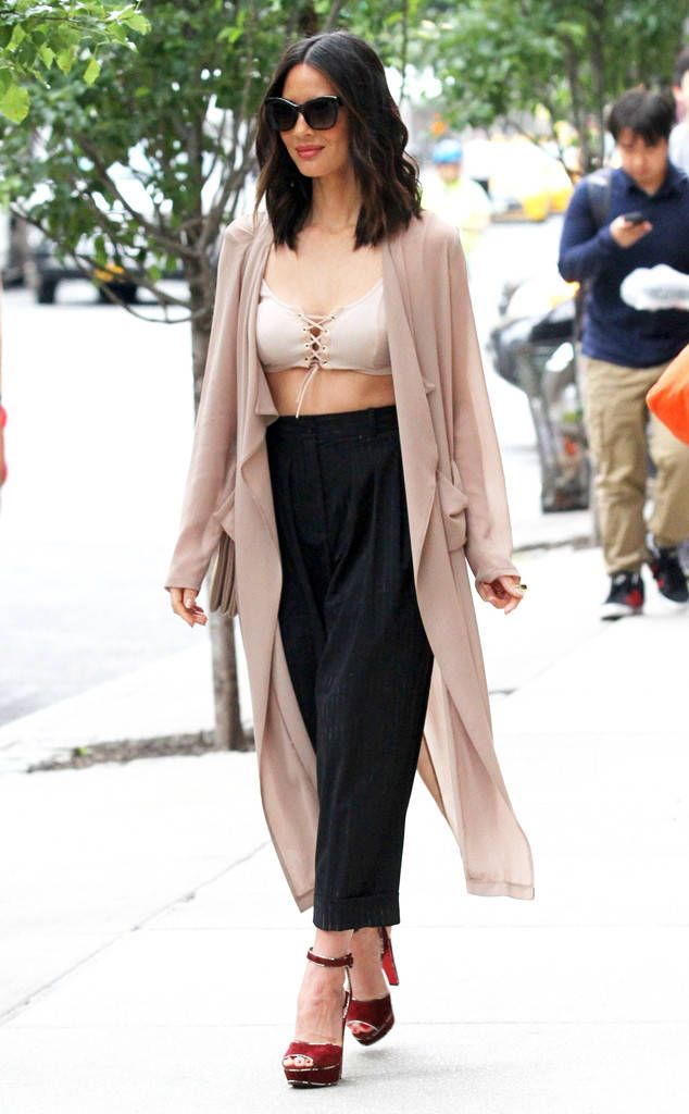 Olivia Munn from The Big Picture: Today's Hot Photos  Manhattan Munn! The actress bares some skin after getting her nails done in NYC.