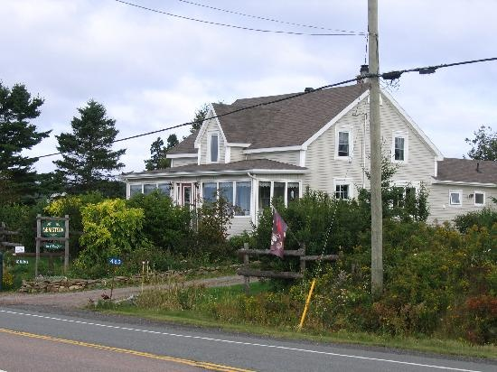 how to find bed and breakfast in nova scotia