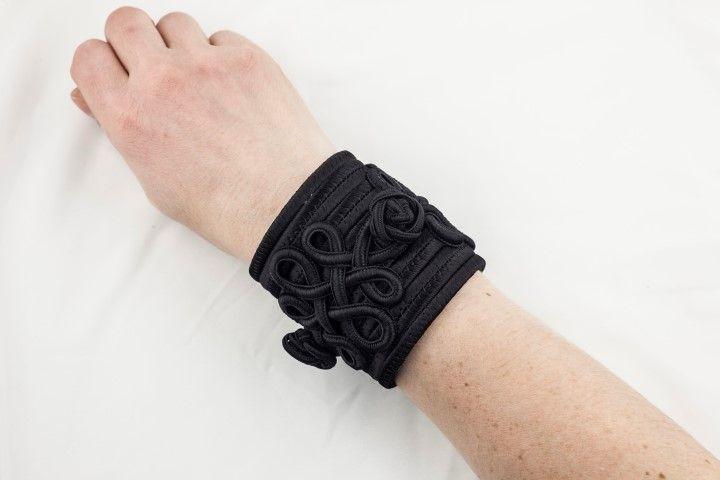 Haute Couture spirit bangle Black licorice - EmKha