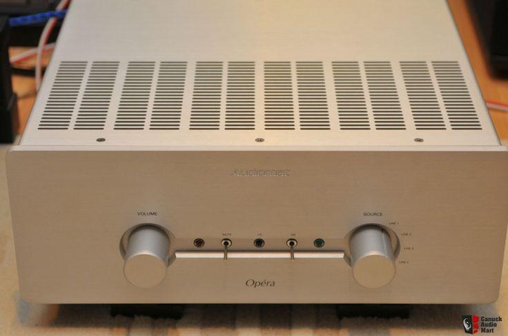 Audiomat Opera Integrated amplifier.