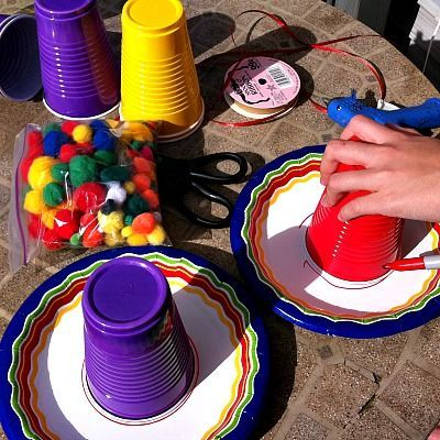 Make A Paper Plate Sombrero - Kid Friendly Things To Do .com | Kid Friendly Things to http://Do.com - Crafts, Recipes, Fun Foods, Party Ideas, DIY, Home & Garden