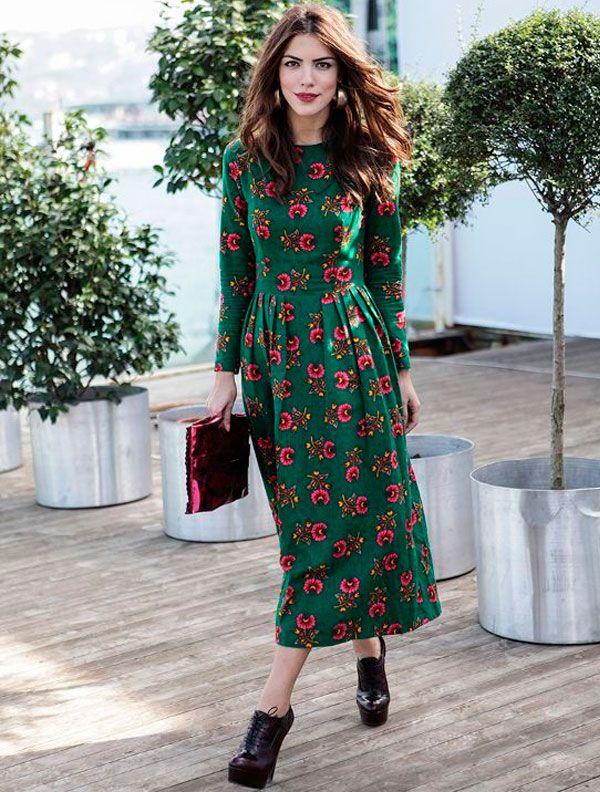 Midi green dress street style                                                                                                                                                                                 Mais