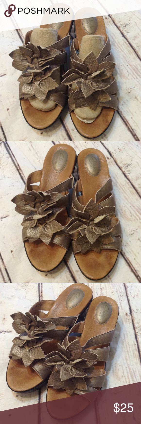 Clarks Sandals size 10M Size 10M  USA   Used but Still in good shape, thank you for looking Clarks Shoes Sandals
