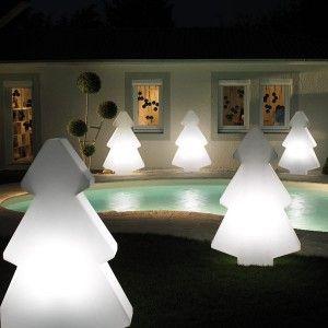 Pour les fêtes de fin d'année, illuminez votre jardin avec ce magnifique sapin lumineux Sapin Light !  #déco#ambiance#design#home#maison#garden#jardin#chic#détente#relax#couleur#color#décor#beutiful#laboutiquedesjoyaux#desjoyaux#piscine#piscines#pool#pools#Christmas#ChristmasTree