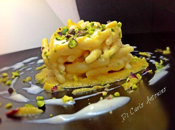 Trofie con crema di zucca, crema al parmigiano , pancetta affumicata , salsiccia e pistacchio di Raffadali inserita da Antonino Di Carlo