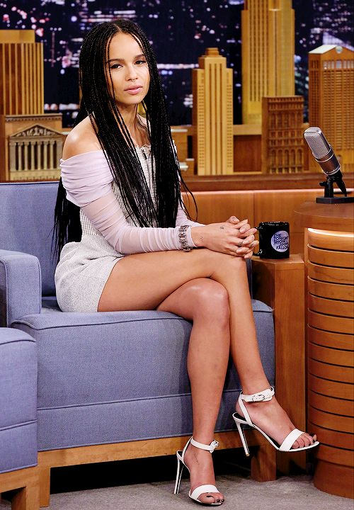 flyerfemalecompanion:ohhsodreadful:celebritiesofcolor:Zoe Kravitz on The Tonight Show Starring Jimmy FallonBruh.  She has this weird ability to make anything look good. Sheesh