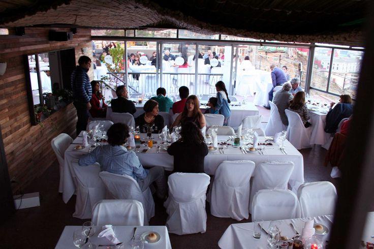 Restaurante Arrayan, en Valparaiso. Estilo playero y con las mejores vistas de la ciudad Puerto