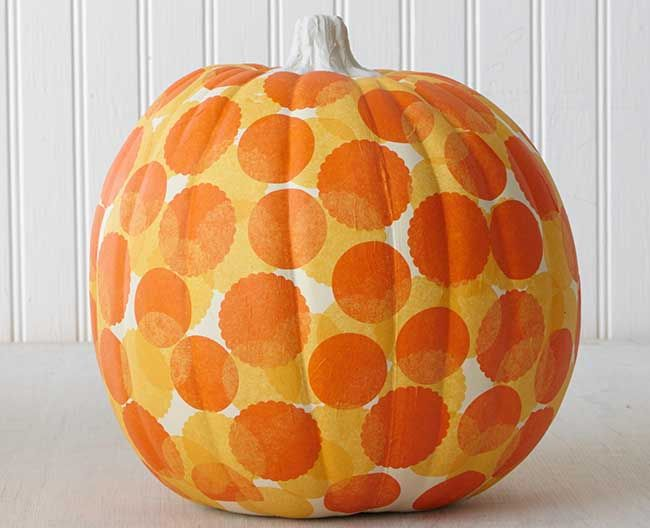 Craft painting scalloped dot pumpkin carving