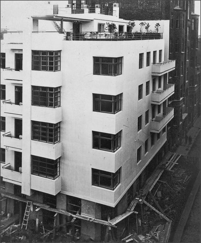 Moisei Ginzburg, Gosstrakh apartment complex in Moscow (1926)   The Charnel-House