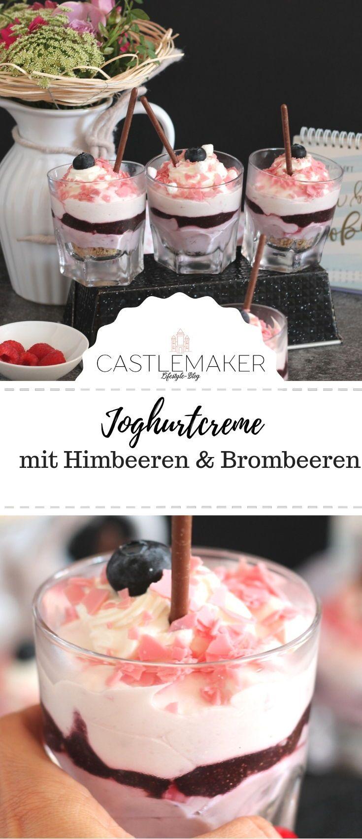 Joghurt-Schichtdessert Beerentraum mit Himbeeren & Brombeeren